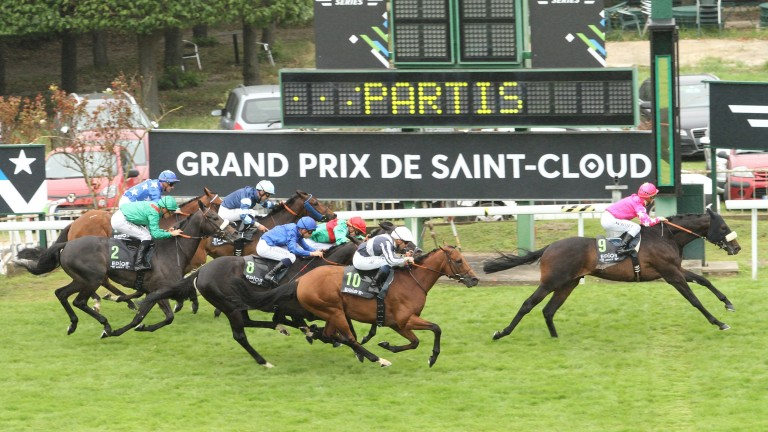 Silverwave lands the 2016 Grand Prix de Saint-Cloud under Maxime Guyon, who is back on board at Cagnes-sur-Mer on Saturday