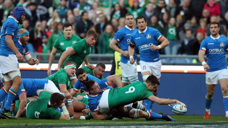 Ireland scrum-half Conor Murray scores Ireland's fourth try