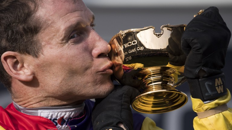 Rochard Johnson kisses the Gold Cup