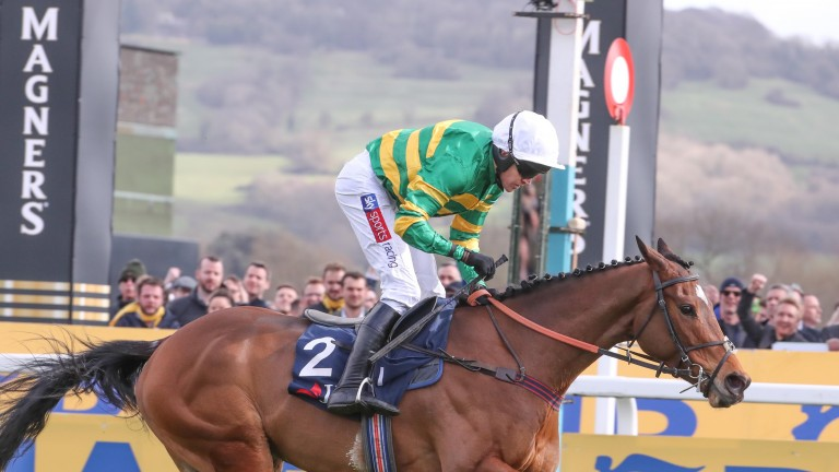 Defi Du Seuil is on top at the line