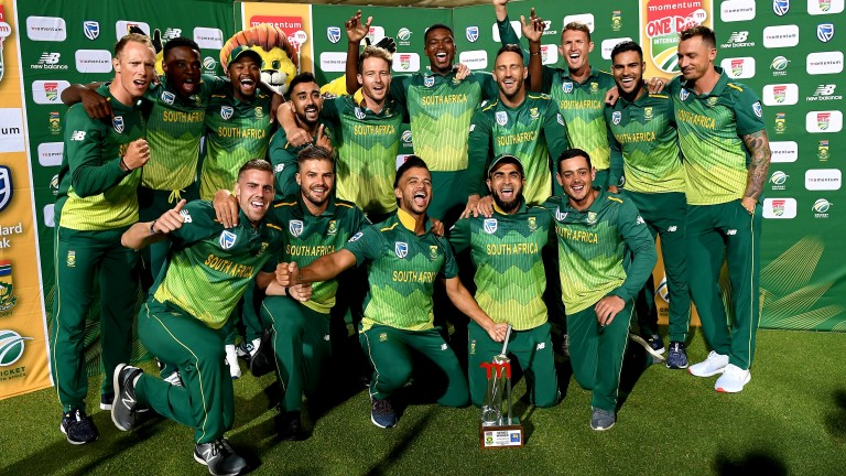 South Africa celebrate their 5-0 victory over Sri Lanka in the one-day series
