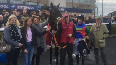 Noel Fehily joins Charlie Mann and connections after Capone's win