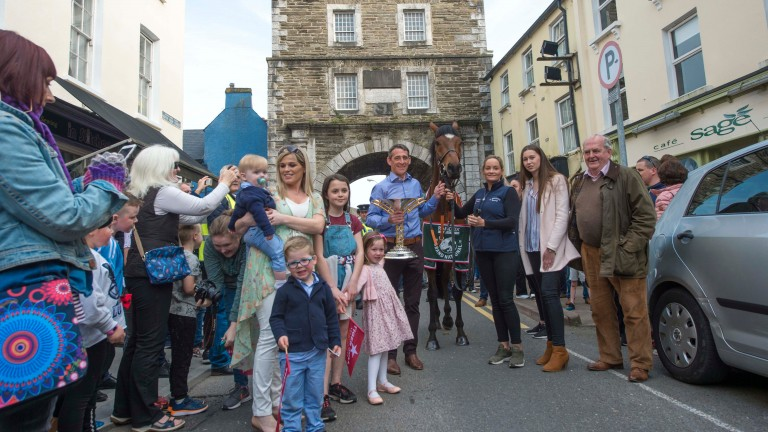 Davy Russell and family introduce Tiger Roll to the Fermoy crowd