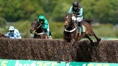 Altior with another bold leap