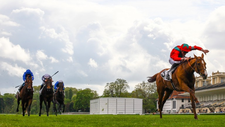 Waldgeist stretches clear of his rivals in the Prix Ganay at Longchamp