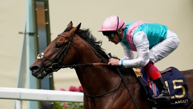 Sangarius wins the Hampton Court Stakes in the colours of Prince Khalid Abdullah