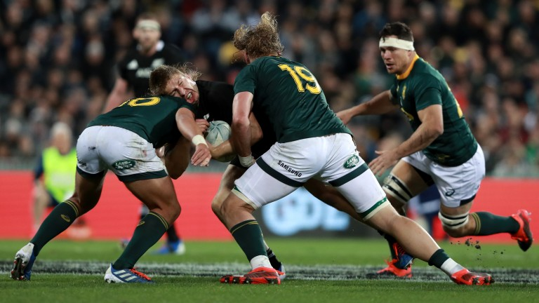 A powerful defensive effort from South Africa put the brakes on New Zealand