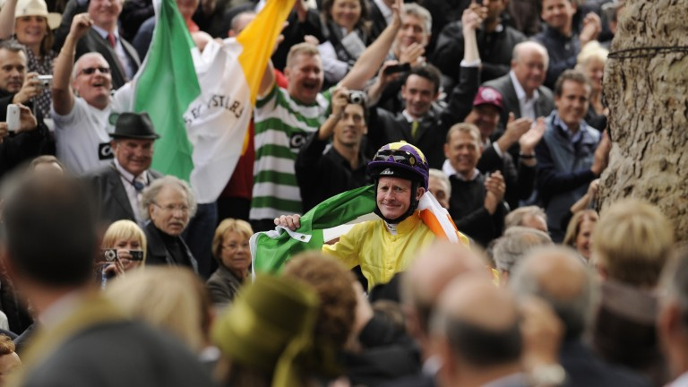 Mick Kinane and Sea the Stars after winning the Arc