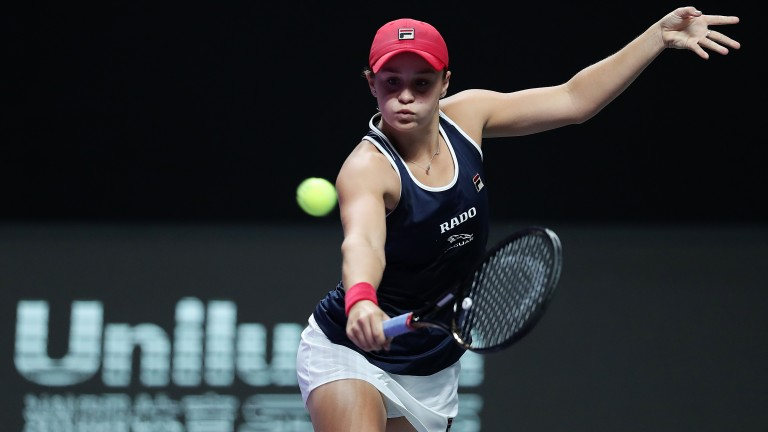Ash Barty takes on Petra Kvitova with a semi-final spot at the WTA Finals on the line