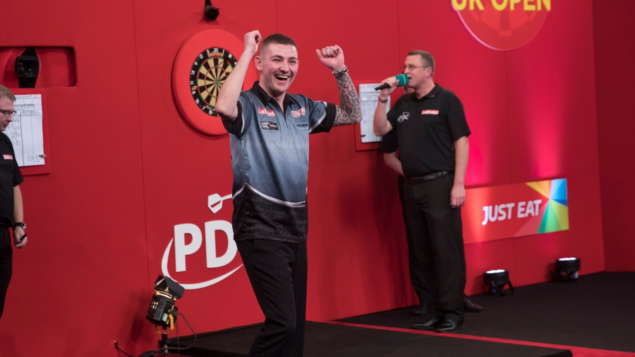 ladbrokes darts live betting