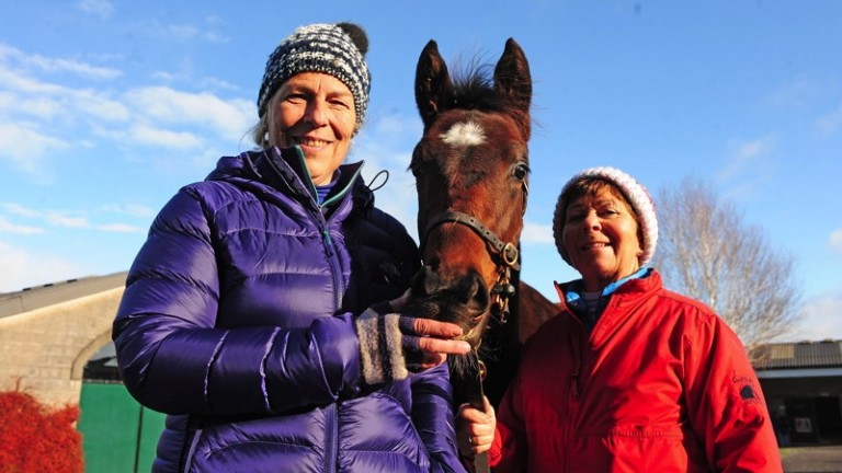 Barbara Fonzo and Annie O'Rourke pictured with Tuesday's session topper - the Camelot half-brother to Altior