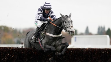 Angels Breath: en route to an easy first success over fences