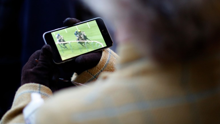Mobile phone streaming: Betfred customers will be able to watch races from ARC tracks without betting