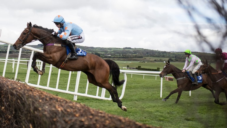 Un De Sceaux has been retired