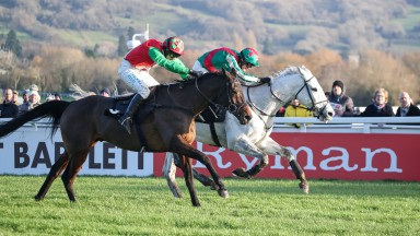 Warthog (far side) rallies to get the better of Spiritofthegames in the Caspian Caviar Gold Cup