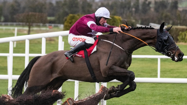 Cracking Smart captures the Boyne Hurdle under Davy Russell