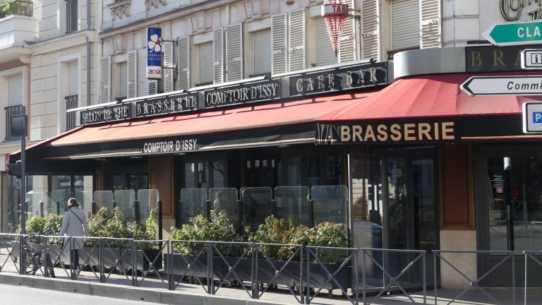 Bars and restaurants closed their doors across France on Sunday as the government stepped up its measures against the spread of coronavirus
