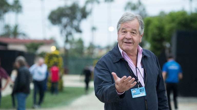 Sir Michael Stoute holds court at Del Mar 1.11.17 Pic: Edward Whitaker