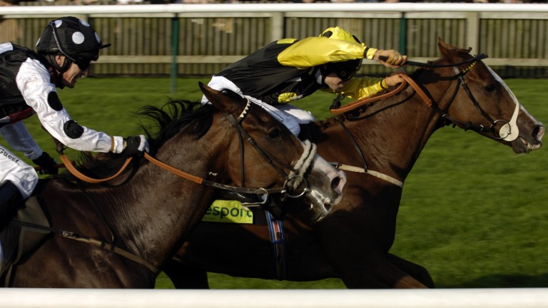 Red-hot Sergeant Cecil (right) completes his big handicap treble in the 2005 Cesarewitch