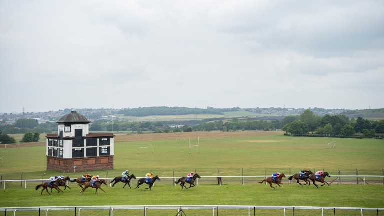 Pontefract: parkland is situated at the centre of the course