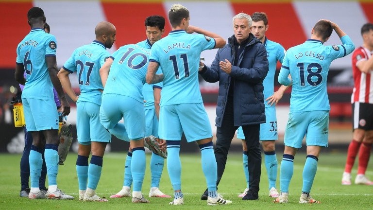 Tottenham manager Jose Mourinho speaks to his players at Sheffield United
