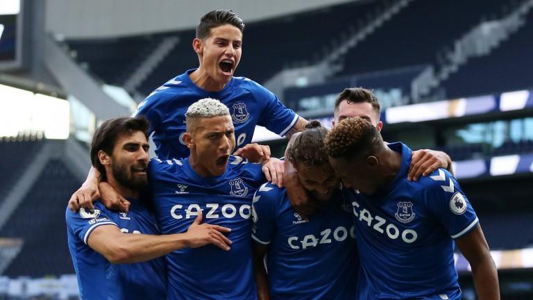 Everton celebrate Dominic Calvert-Lewin's winner against Spurs
