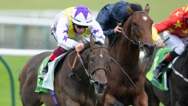 New Mandate (Frankie Dettori) win the Juddmonte Royal Lodge StakesNewmarket 26.9.20 Pic: Edward Whitaker/Racing Post