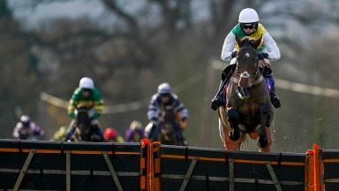 Atholl Street makes all at Taunton to earn a 25-1 quote for the Supreme Novices' Hurdle