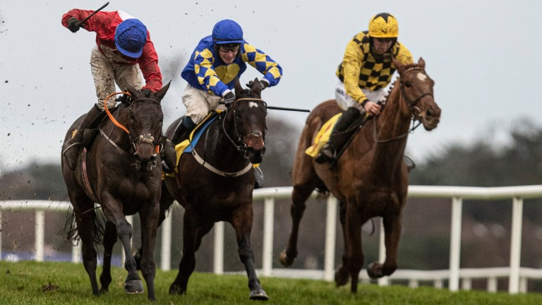 A Plus Tard (near): stays on best to deny Kemboy (centre) and Melon