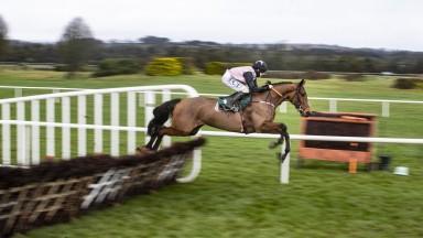 Bob Olinger and Rachael Blackmore tkae the 2m4f maiden hurdle.Navan Racecourse.Photo: Patrick McCann/Racing Post 18.12.2020