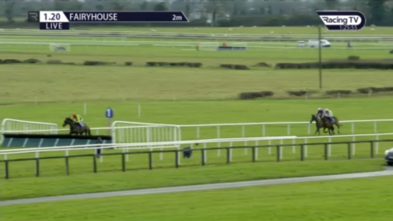 Sizing Pottsie is clear in the 2m feature hurdle with the race at his mercy