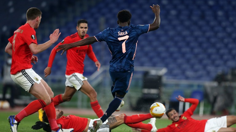 Bukayo Saka scores for Arsenal against Benfica on Thursday
