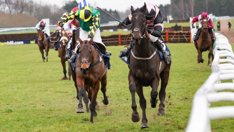 Third Wind (right) gets the better of last year's Stayers' Hurdle winner Lisnagar Oscar