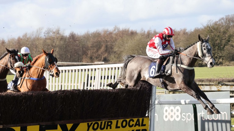 Furius De Ciergues puts in a spectacular leap on his way to a first success