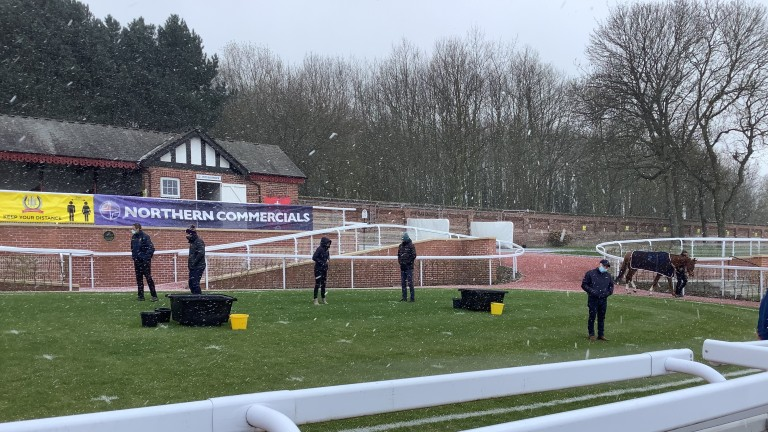 Little sign of spring as racing returns to Pontefract