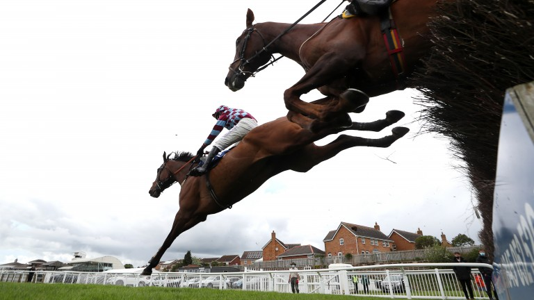 Atlantic Storm clears the last in front of Larch Hill