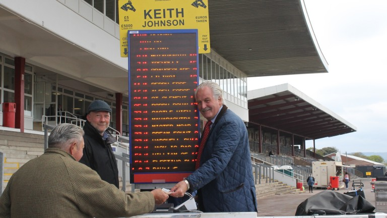 Layers and racegoers returned to Redcar on Monday