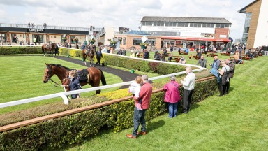 Crowds watching runners for first race at CARLISLE 17/5/21Photograph by Grossick Racing Photography 0771 046 1723