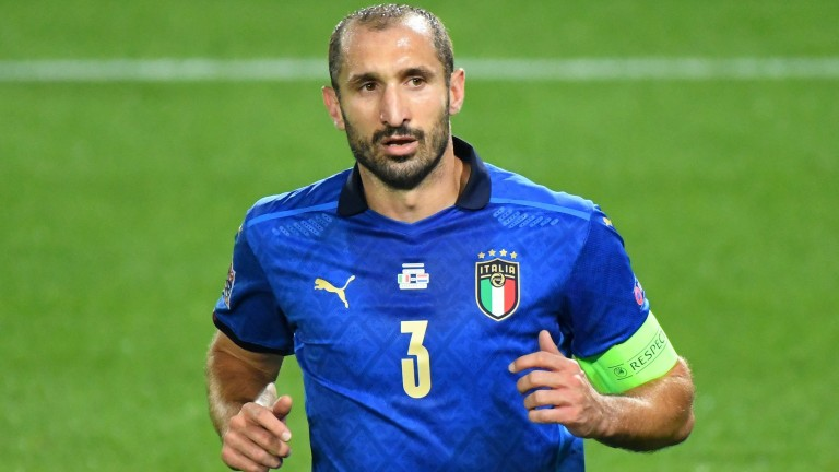 Italy stalwart Giorgio Chiellini helps form a disciplined defence