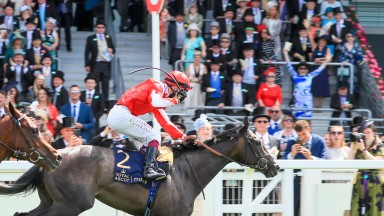 Berkshire Shadow and Oisin Murphy win the Coventry Stakes