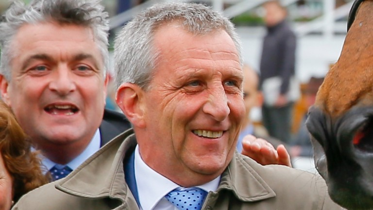 Peter Niven saddled his second winner of the Flat season with Hurstwood coming out on top in a photo-finish.