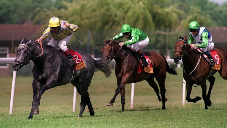 Cassandra Go (left) wins the 2001 Temple Stakes