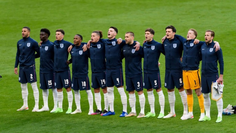England could keep faith with the same starting line-up from the semi-final