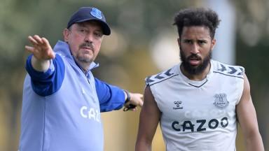 Everton boss Rafael Benitez talks tactics with Andros Townsend
