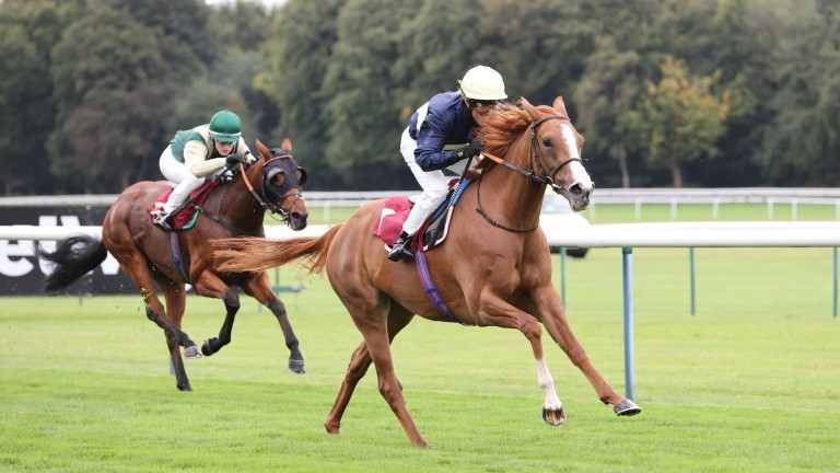 Hannah Fraser records her first success as Sky Bright wins the apprentice handicap
